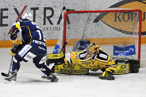 Kuvakooste: SaiPa juhli Espoossa - LIIGA - 28.02.2012 - Artikkelit - Jatkoaika.com - Kaikki ...